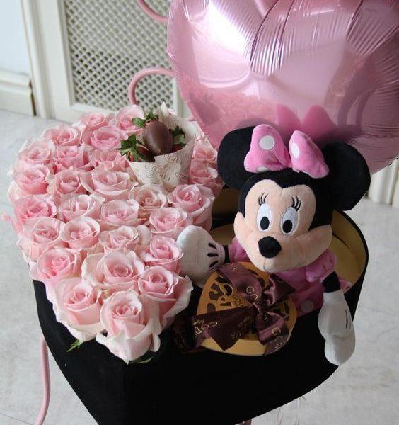 Minnie ajándékok virág box